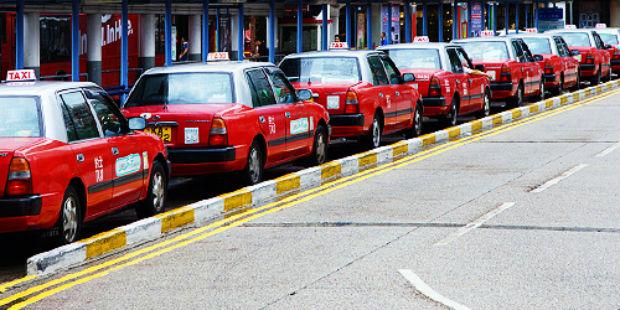 Taxi Hongkong gây ấn tượng với màu đỏ