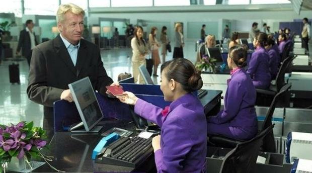 Đổi vé máy bay Thai Airways.